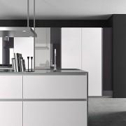 Cuisine Armony T16 - façades en verre blanc.