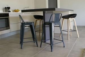 Détail du pied de table épaisseur 6cm