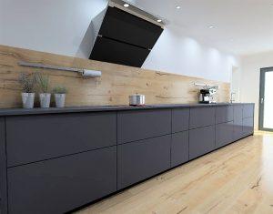 Ormis le meuble de 45cm à droite de la cuisson et la façade du LV, tous les coulissants font 90cm